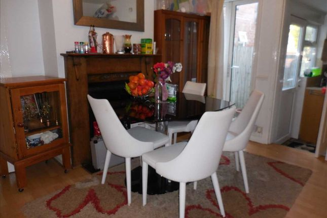 Dining Room of Amity Road, Reading RG1
