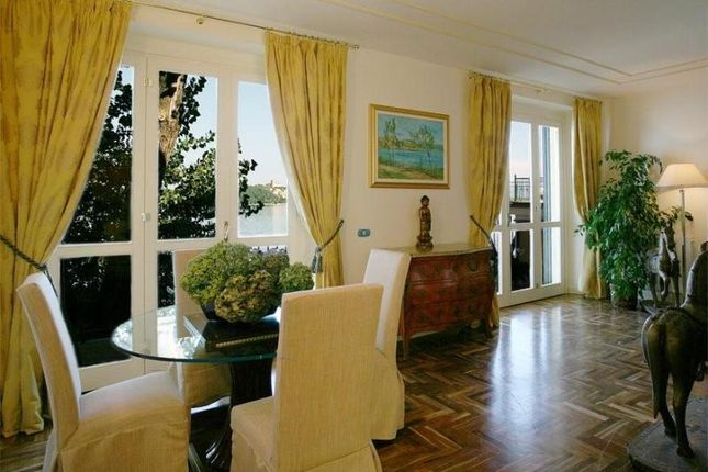 Picture No.02 of Waterfront Apartment, Meina, Lake Maggiore