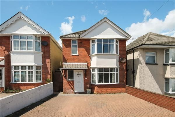 Thumbnail Detached house to rent in Wroxham Road, Poole