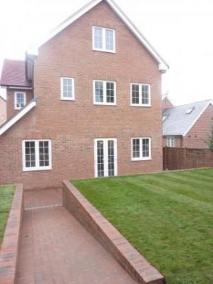 Thumbnail Flat to rent in Dennis House, Orchard Lane, Alton, Hampshire