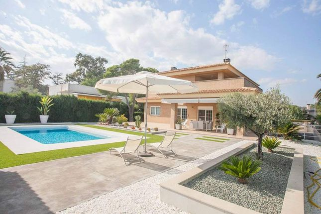 5 bed villa for sale in Torrent, Valencia, Spain
