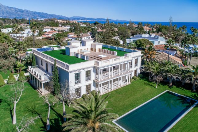 Thumbnail Villa for sale in Spain, Andalucia, Guadalmina, Ww942