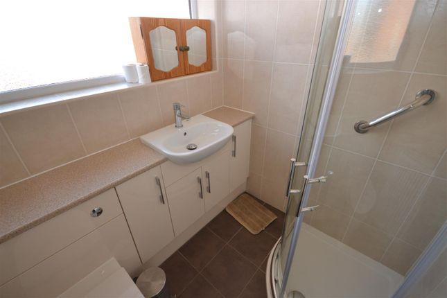 Bathroom of Comrie Close, Wyken, Coventry CV2