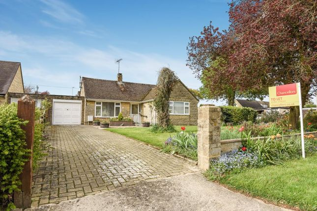Thumbnail Detached bungalow to rent in Enstone Road, Middle Barton