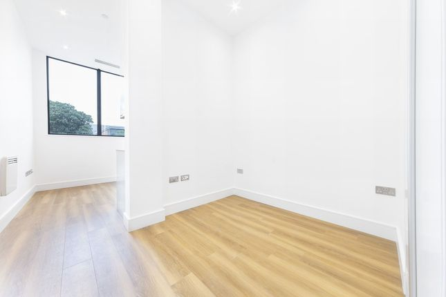 Thumbnail Studio to rent in Atria House, Bath Road, 219 Bath Road, Slough