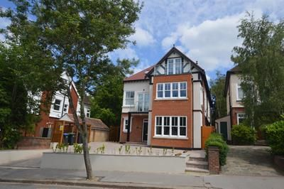 Thumbnail Commercial property for sale in Normanton Road, South Croydon