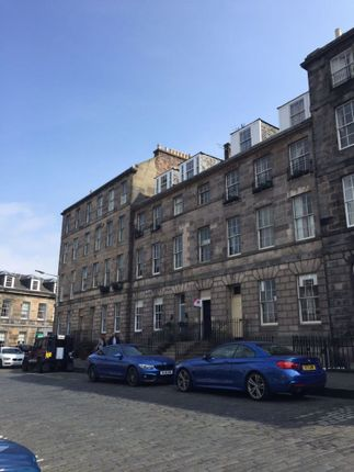 Thumbnail 3 bed flat to rent in Broughton Place, New Town
