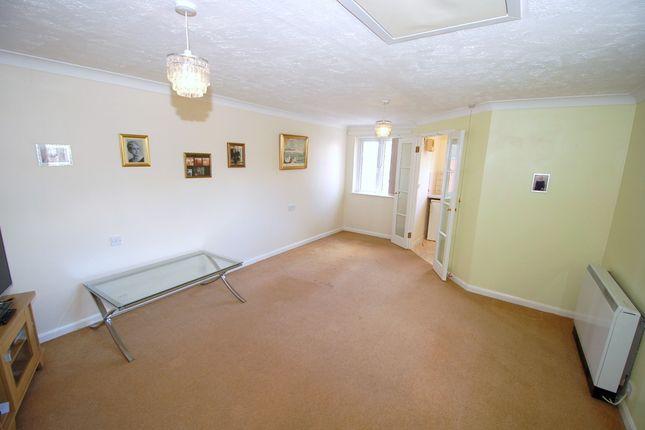 1 bed property for sale in Hart Dene Court, Bagshot GU19