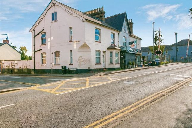 Thumbnail Flat for sale in Station Road, Addlestone