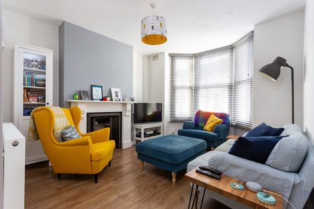 1 bed flat for sale in Leasowes Road, London E10