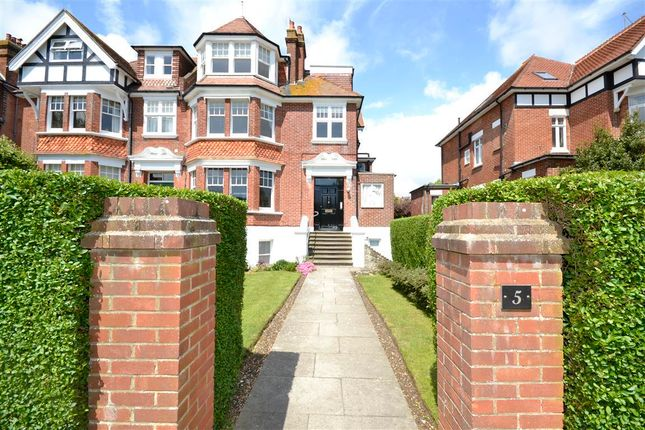 Thumbnail Flat to rent in Darley Road, Eastbourne