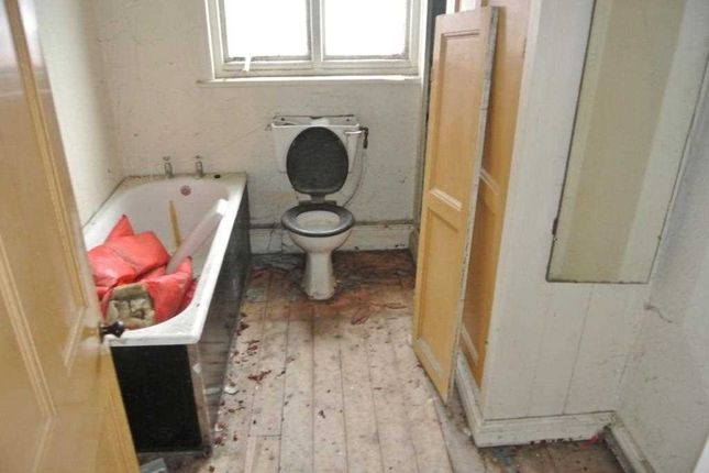 Bathroom of Victoria Road West, Thornton-Cleveleys FY5