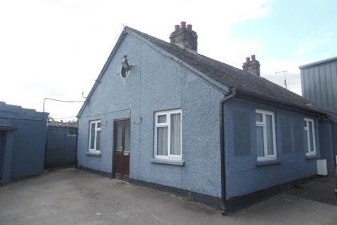 Thumbnail Bungalow to rent in Stratford Road, Roade, Northampton