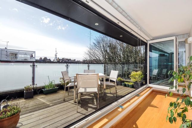 Thumbnail End terrace house to rent in Dukes Head Yard, Highgate