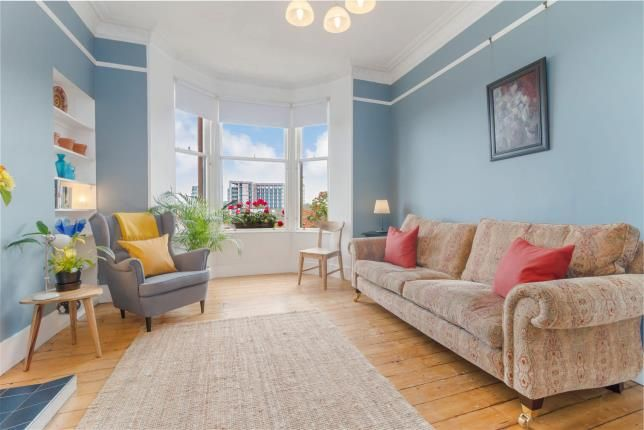 Lounge of Buccleuch Street, Garnethill, Glasgow G3