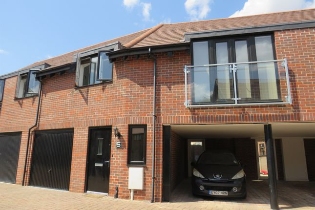 Thumbnail Property for sale in Bluegown Avenue, Leybourne, West Malling