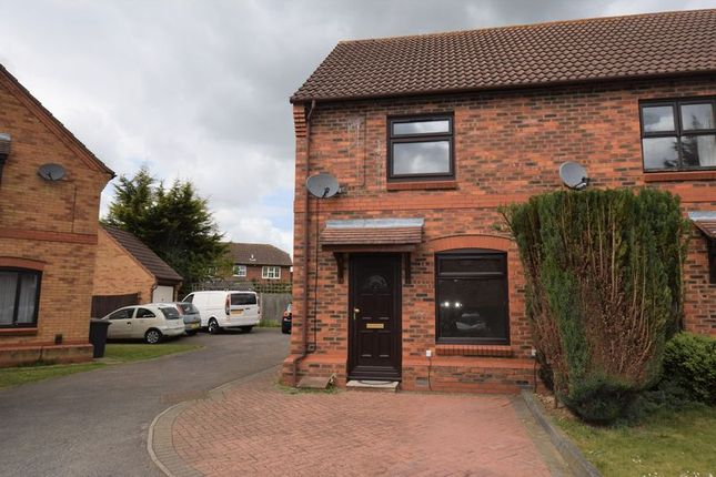 2 bed end terrace house to rent in Muirfield, Luton LU2