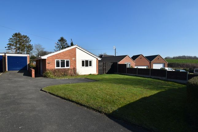 Thumbnail Bungalow for sale in Cranbrook, Lenchwick, Evesham