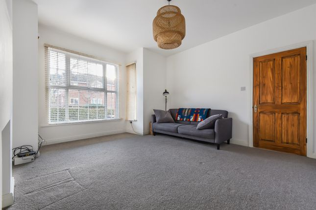 Thumbnail Flat for sale in Newton Avenue, London