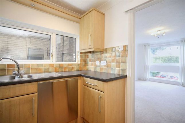 Thumbnail Flat for sale in Apt 8, Oakbrook Court, Fulwood