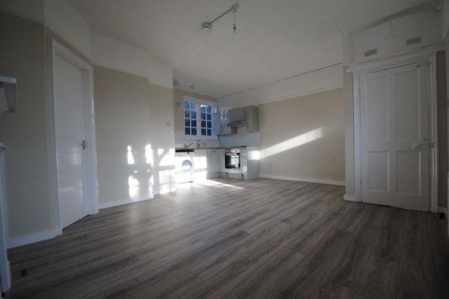 Thumbnail Studio to rent in The Quadrangle, Herne Hill, London