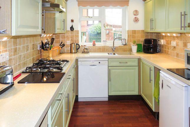 Kitchen of Drovers Way, Southam CV47