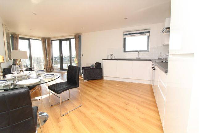 Thumbnail Flat for sale in Mariners Point, Brighton Road, Shoreham - By - Sea