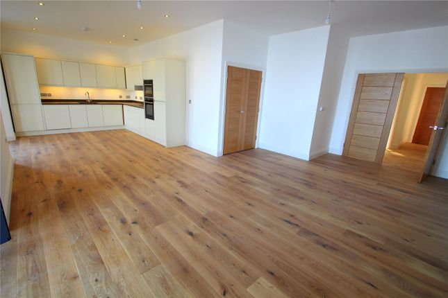 Thumbnail Flat to rent in The Heights, Wellington Terrace, Clevedon, Bristol