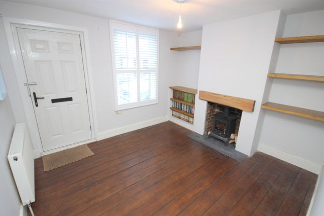 2 bed terraced house to rent in Cyprus Road, Faversham
