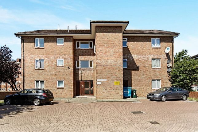 1 bed flat to rent in Old Bromley Road, Bromley BR1