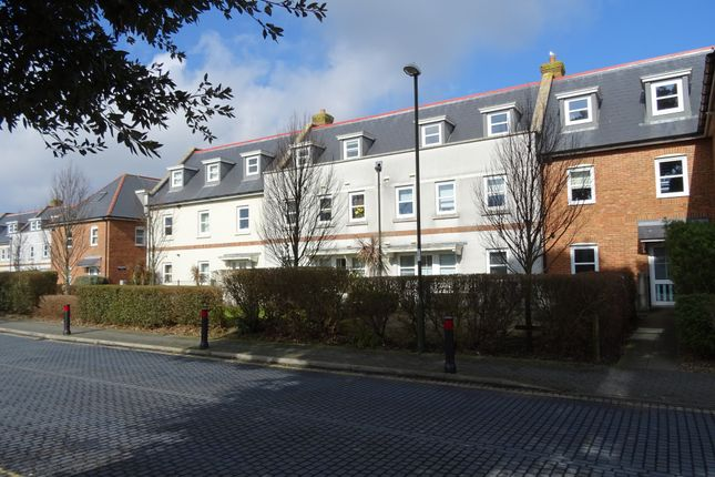 Thumbnail Flat to rent in Orme Road, Broadwater, Worthing