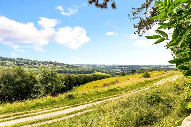 Picture No. 32 of Private Road, Rodborough Common, Stroud, Gloucestershire GL5