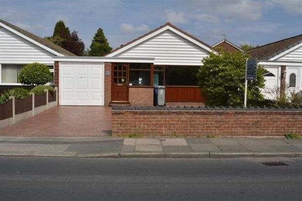 Thumbnail Bungalow to rent in Woodsend Road, Urmston, Manchester