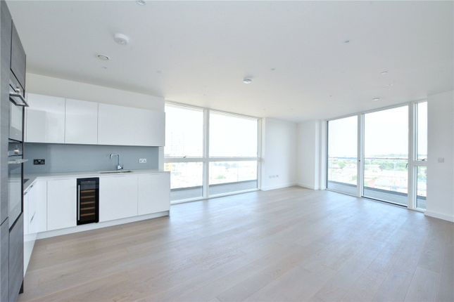 Picture No. 06 of Wyndham Apartments, 67 River Gardens Walk, Greenwich, London SE10