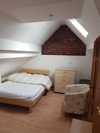 Thumbnail Shared accommodation to rent in Talbot Road, Fallowfield