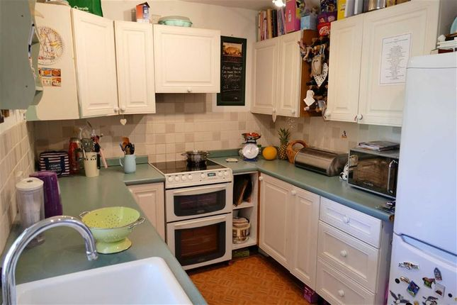 Thumbnail Terraced house for sale in Bryans Close Road, Calne