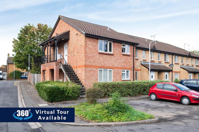 Thumbnail Studio to rent in Lowdell Close, West Drayton