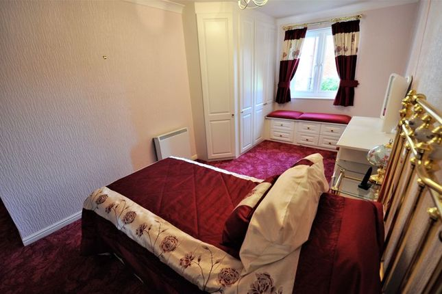 Bedroom of Lovell Court, Parkway, Holmes Chapel CW4