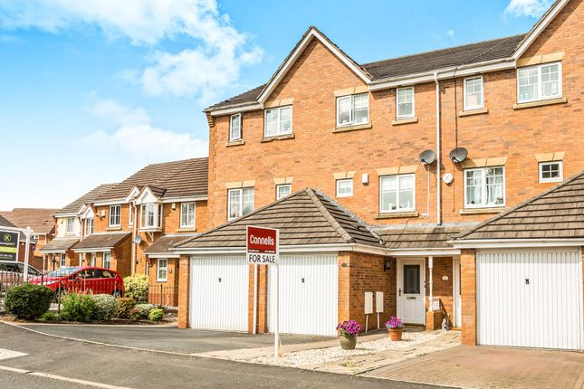 Thumbnail Town house for sale in Saddlers Close, Halesowen