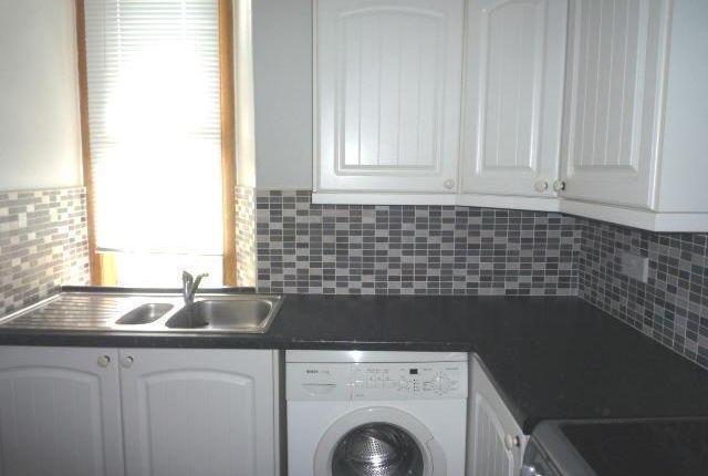 Thumbnail Flat to rent in Pratt Street, Kirkcaldy