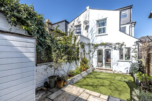 4 bedroom end terrace house for sale in Canbury Park Road, Kingston Upon Thames