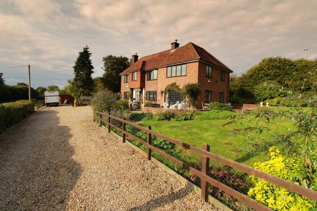 Thumbnail Detached house for sale in Link Road, Great Missenden
