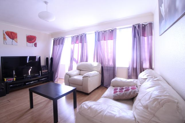 Thumbnail Flat for sale in Bisterne Avenue, London