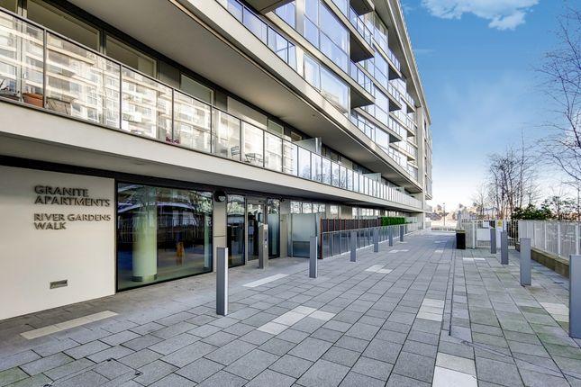 0_Exterior-1 of River Gardens Walk, London SE10