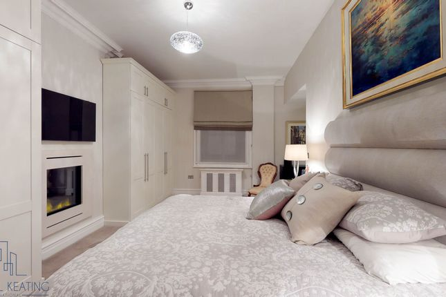 Master Suite of 42 Kingsway, Fitzrovia, London WC2B