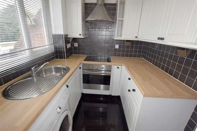 Thumbnail Flat for sale in Brackley Crescent, Basildon, Essex