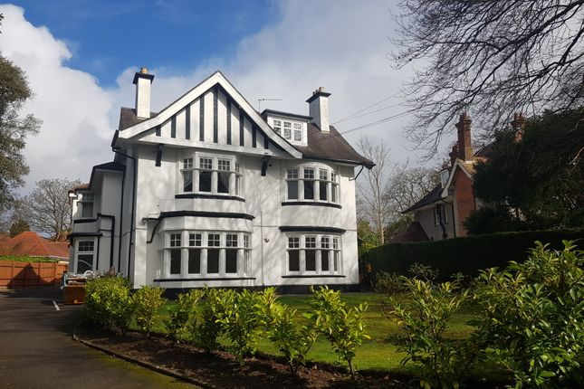 Flat to rent in Charminster, Bournemouth