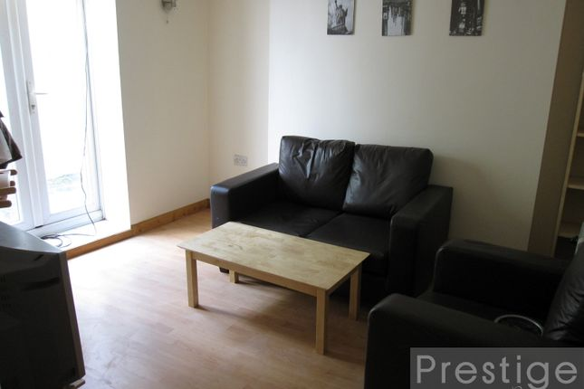 1 bed flat to rent in Holloway Road, London