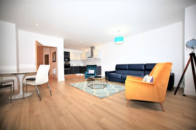 Thumbnail Flat to rent in Brightview Court, Finchley Lane, Hendon