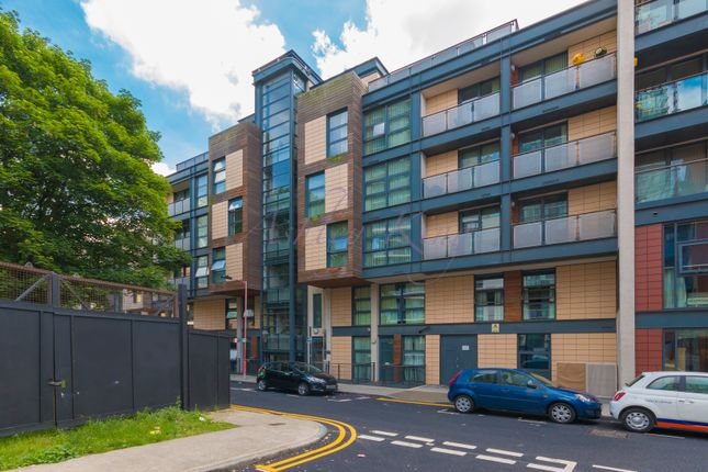 Thumbnail Flat for sale in Manilla Street, London
